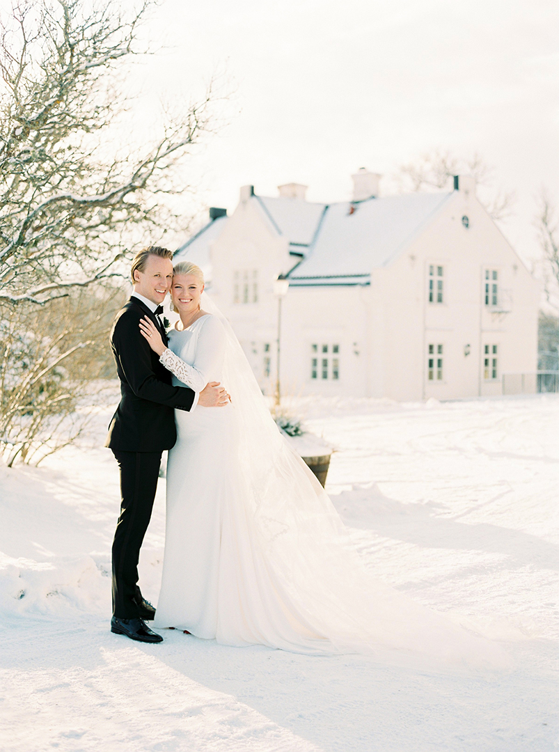 Luxury winter wedding Vidbynäs Slott